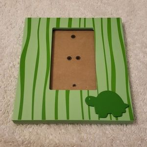 Other - Green turtle 4x6 hanging photo frame
